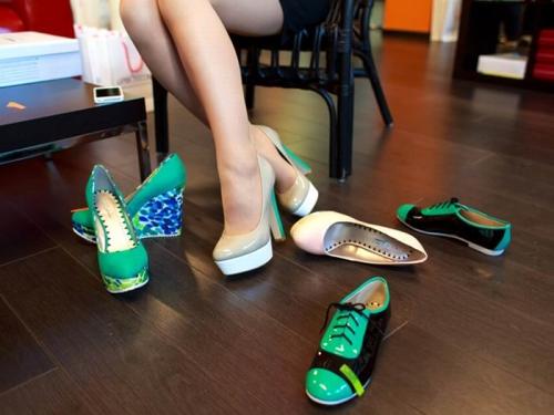 Мужские ботинки на плоской подошве
